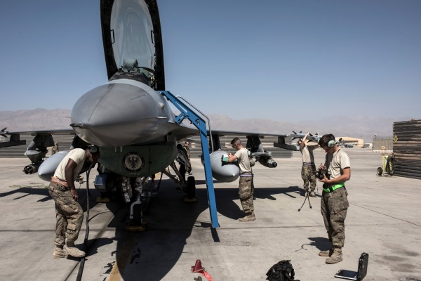 Image: F-16 at Bagram Air Field