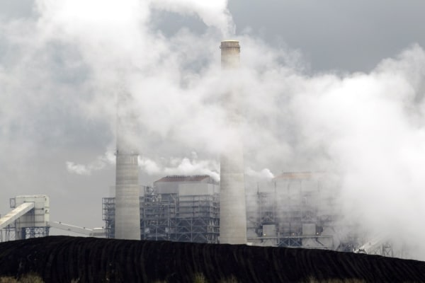 Image of coal fired power plant.
