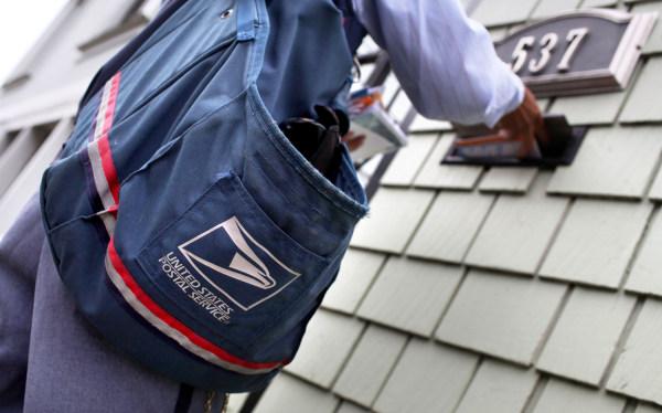Image: Letter carrier