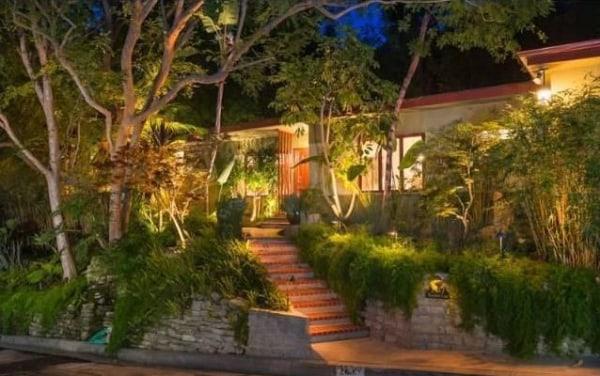 Image: Chris Pratt and Anna Faris home