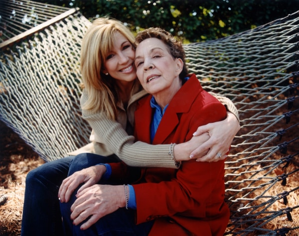 Image: Leeza Gibbons and her mother
