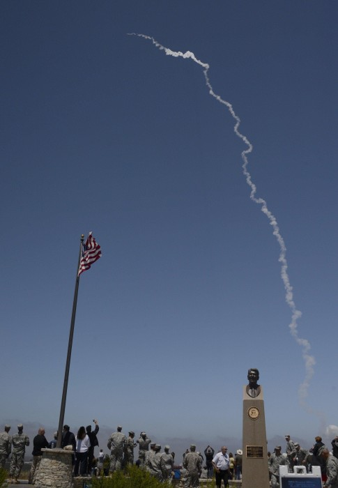 Image: Missile technicians watch launch
