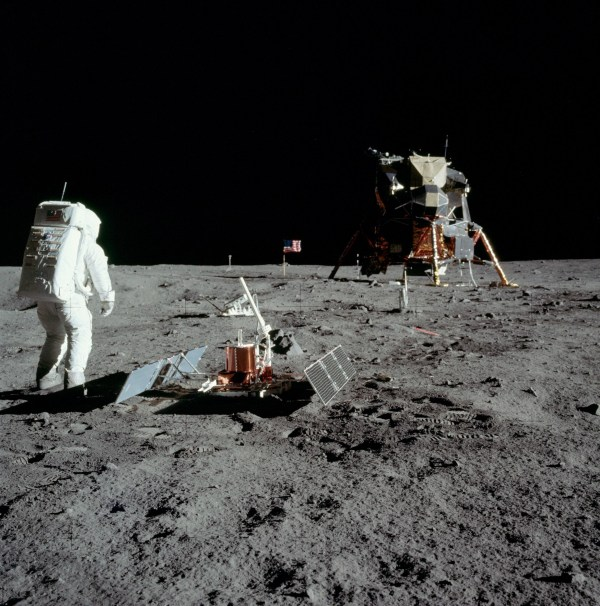 Image: Experiments on the moon