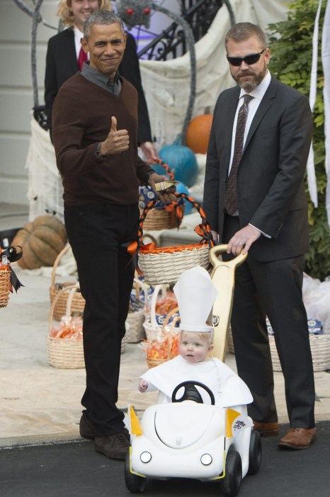 Obama Goes Gaga Over White House Halloween Costume Winner