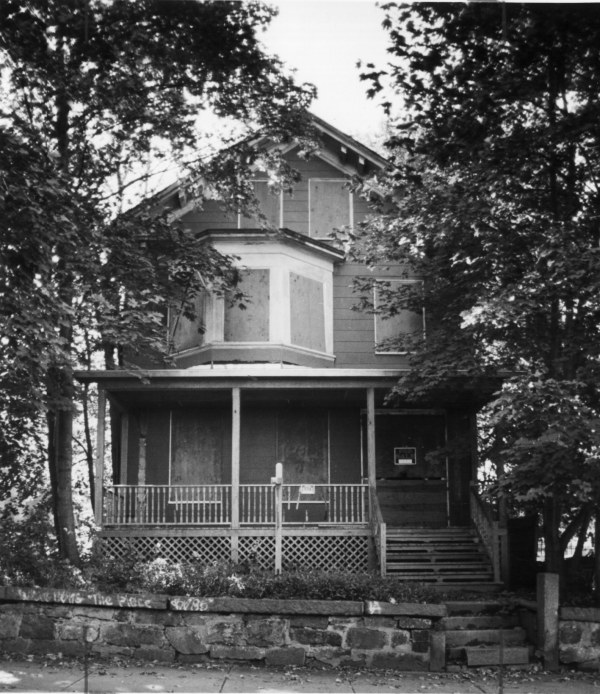 Malcolm X House At 72 Dale St.