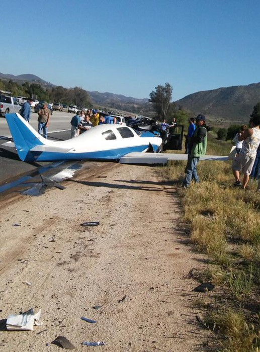 Lancair Crashes onto San Diego Freeway Killing one, Injuring 5: NBC