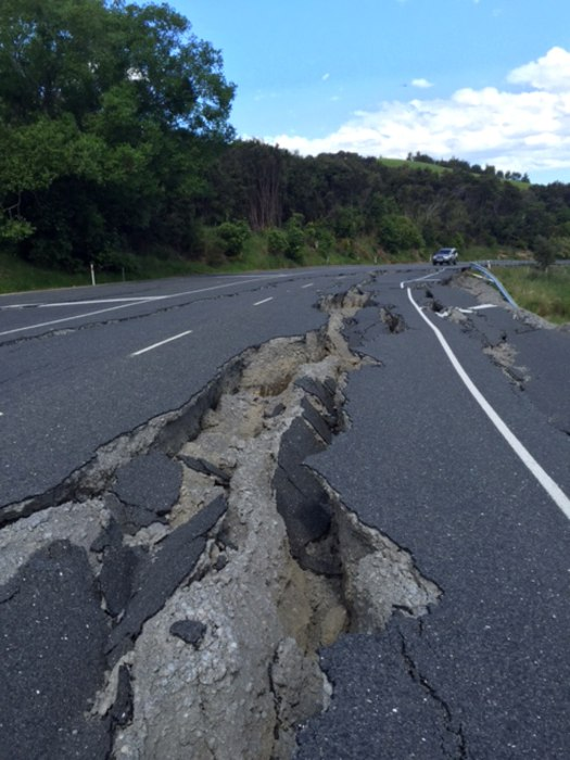 Image: Along the road to Kaikoura, the tourist town near the epicenter of the quake