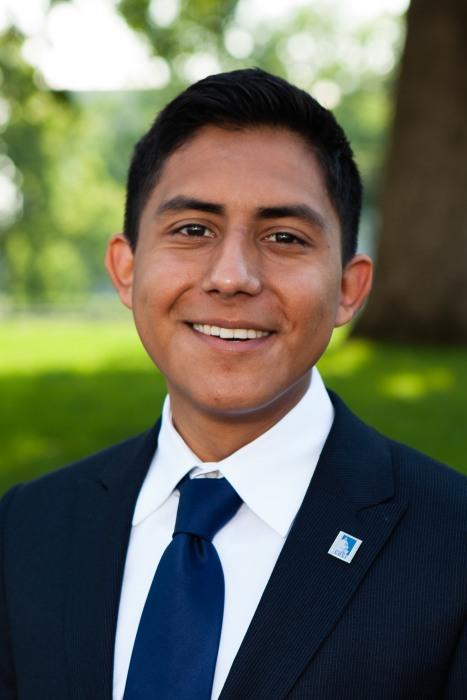 Headshot of Oscar De Los Santos, 23, who is one of this year's Rhodes Scholars.