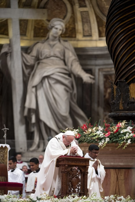 Image: Pope Francis' Christmas Midnight Mass