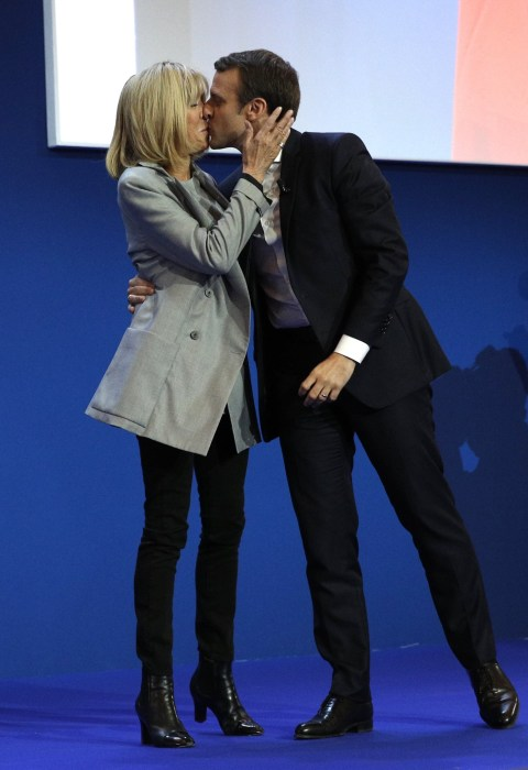 Emmanuel Macron was the only candidate to share the stage with a spouse.