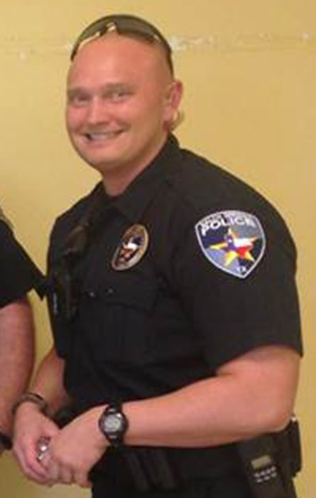 Image: Officer Roy Oliver
