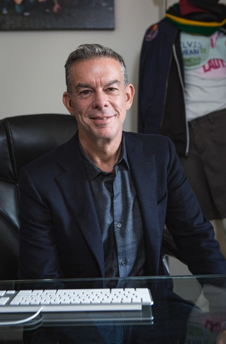 Elvis Duran's office inspires him to do better at work and in life