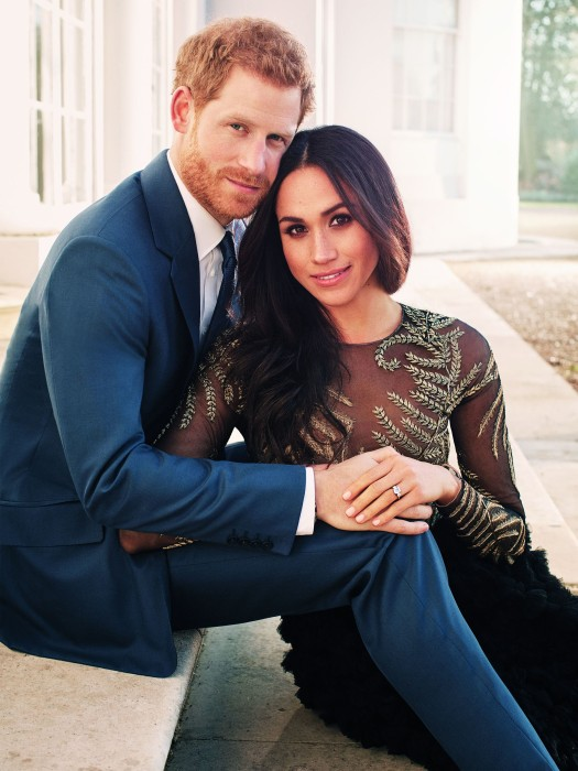 Image: Prince Harry posing with his fiance Meghan Markle