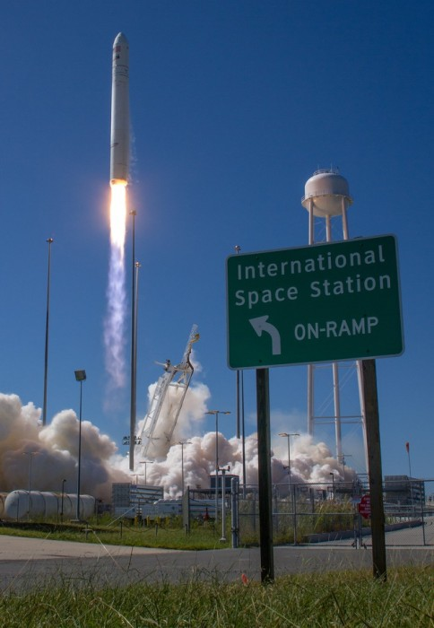 Image: Launch and sign