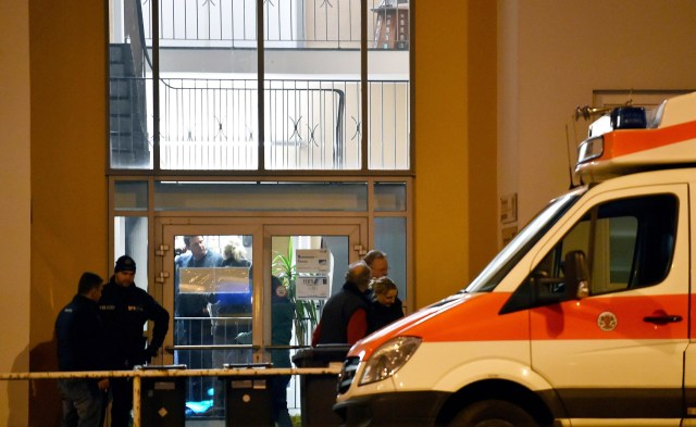 Image: Several arrested as German police issue Islamist threat warning for northern port city