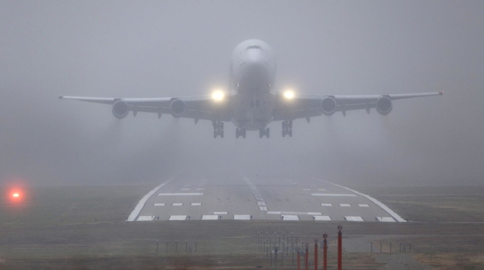 Image:  Boeing 747 takes off