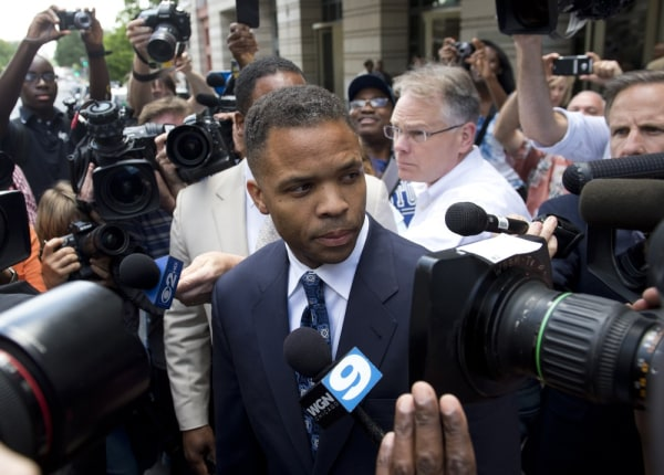 Feds send Jesse Jackson Jr. $750,000 forfeiture order