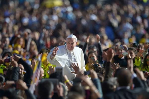 http://media2.s-nbcnews.com/j/MSNBC/Components/Photo/_new/131218-pope-audiences-4p.photoblog600.jpg