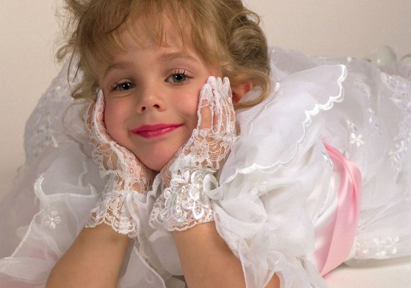 Court papers: Grand jury in 1999 sought to indict JonBenet Ramsey's parents