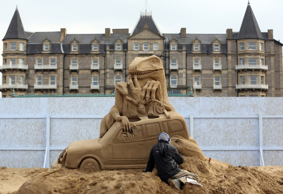 Stars in the sand at annual sculpture festival