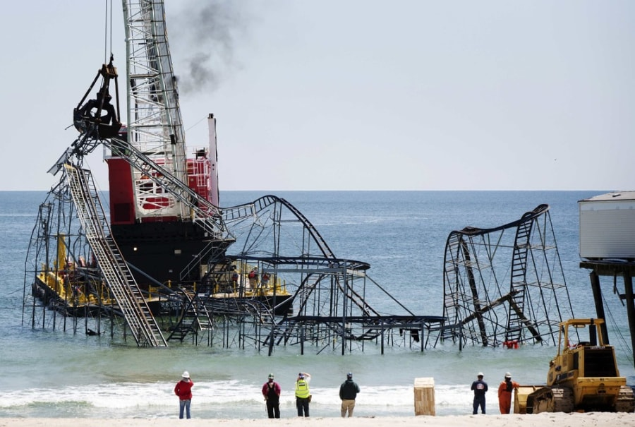 Crews tear down iconic coaster destroyed by Sandy