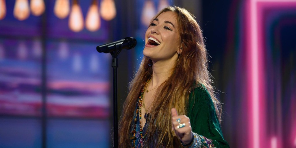 Watch Lauren Daigle sing 'Your Wings' on TODAY