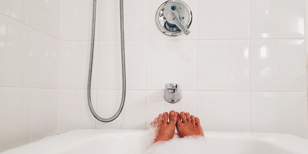 Should You Refinish Reglaze Or Replace Your Bathtub
