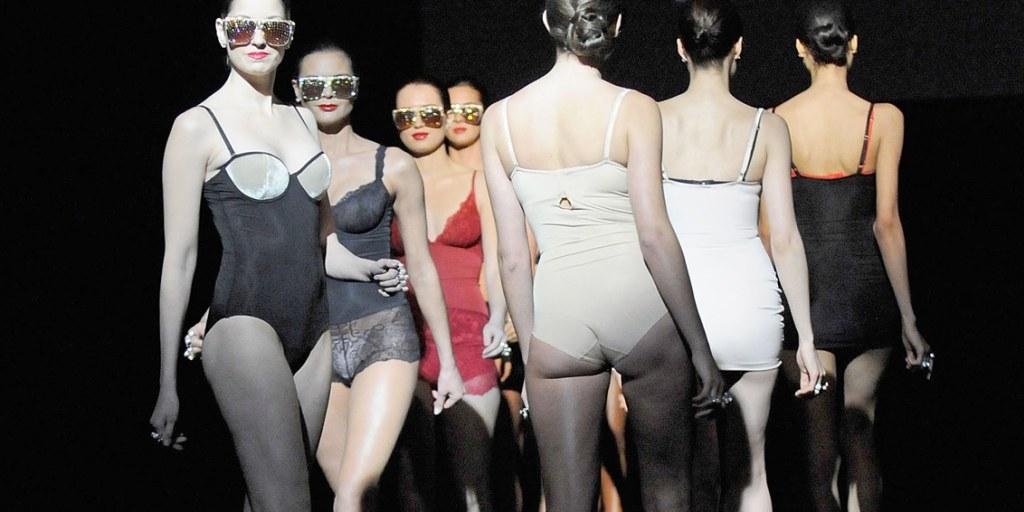 7f5019ec6fcc9 Body suit  Spanx sued for patent infringement
