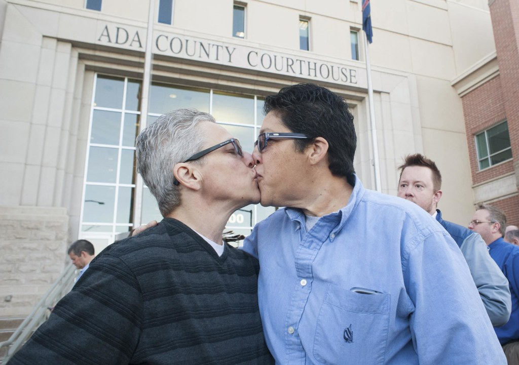 Us supreme court considers federal definition of marriage