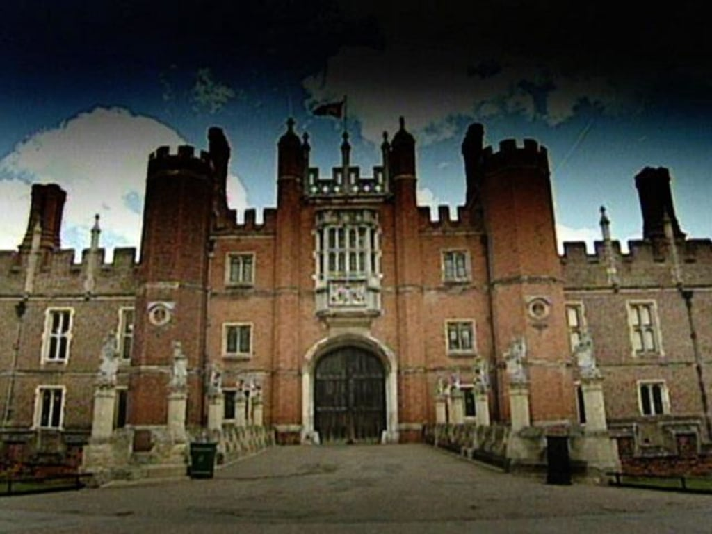 Hampton Court's Ghost Busted: iPhone Trickery Suspected