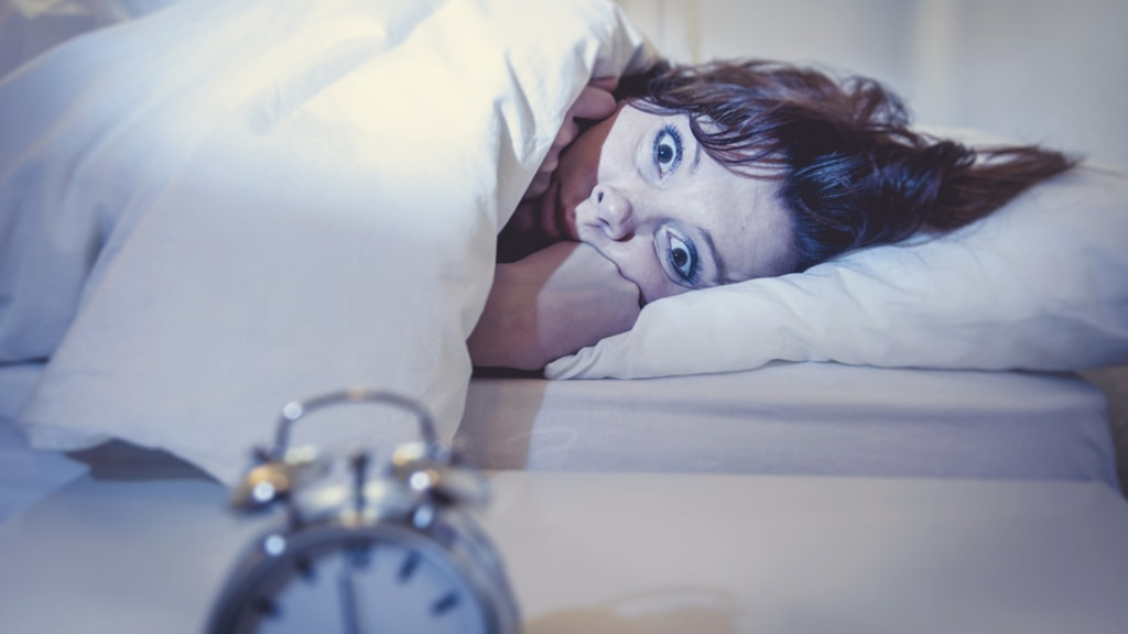 Порно трахал телку но она проснулась этот момент