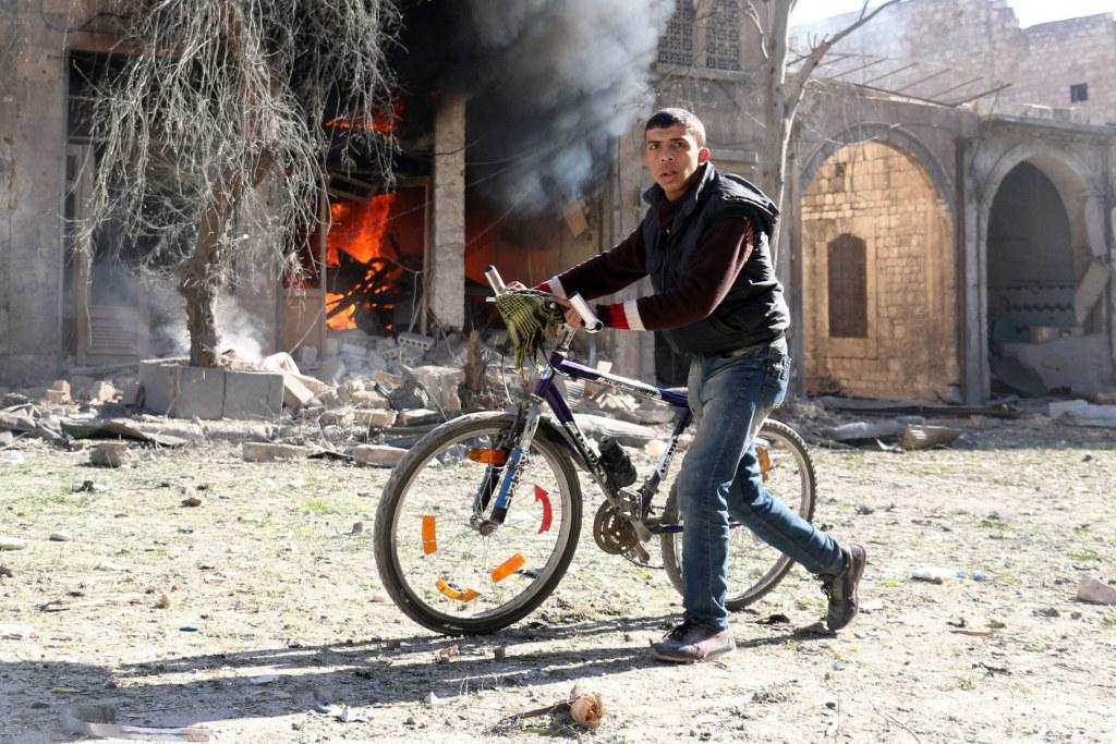 f4d900d6202a18 Bombing in Syria s Aleppo Kills 20