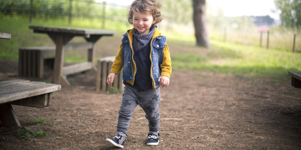 toddler shoes for girls and boys to walk in