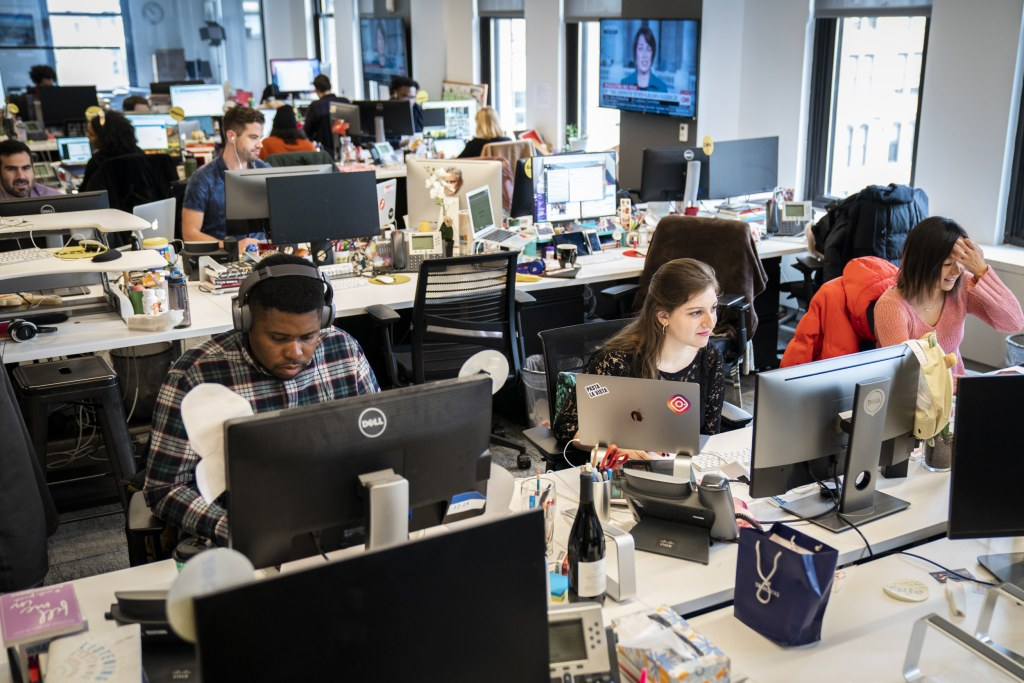 4chan trolls flood laid off HuffPost, BuzzFeed reporters