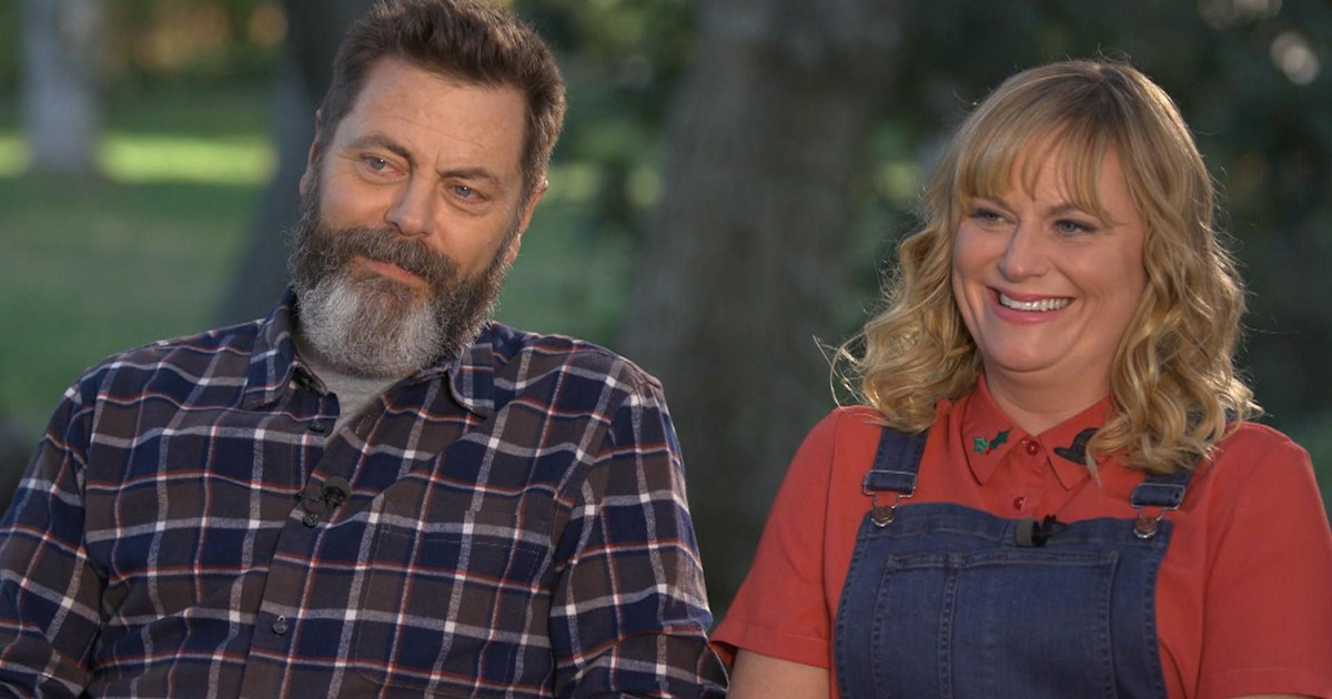 amy poehler and nick offerman talk new crafting show making it. Black Bedroom Furniture Sets. Home Design Ideas