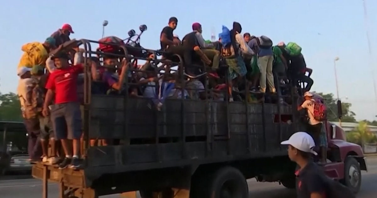 Many in migrant caravan continue toward US despite aid offer from Mexico