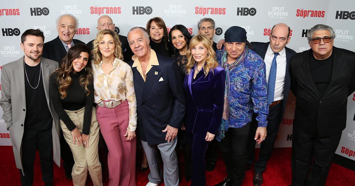 Sopranos Cast Reunites On 20Th Anniversary See Full Interview-8498