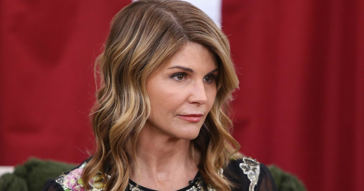 Lori Loughlin to be released on $1 million bond in college admissions scheme