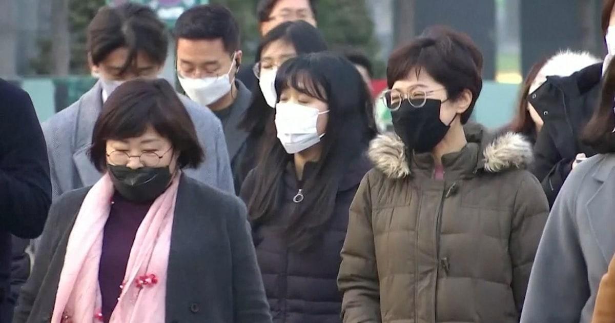 South Korea and Italy respond to new coronavirus outbreaks