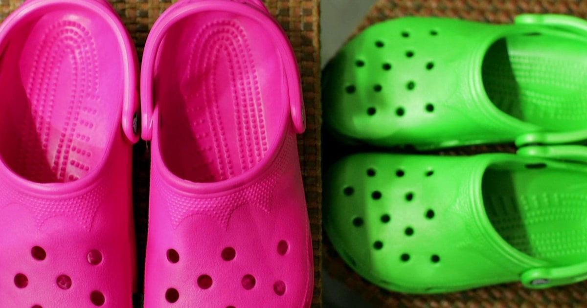 Are Crocs back in style? Hoda and Jenna discuss