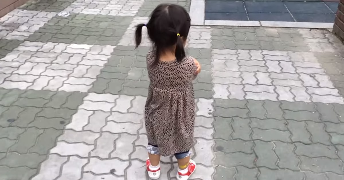 Squeaky shoes turn little girl's