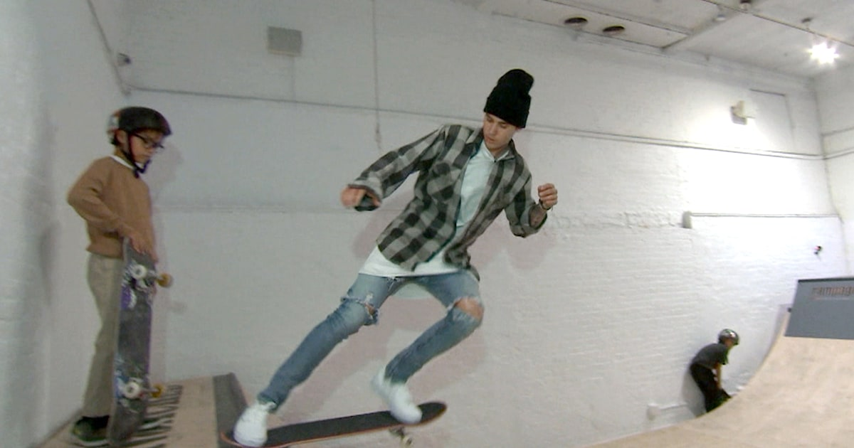 296b5d13c Justin Bieber shows off skateboarding skills ahead of TODAY concert