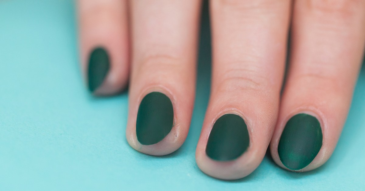 Matte nail polish: How to try out the matte manicure trend