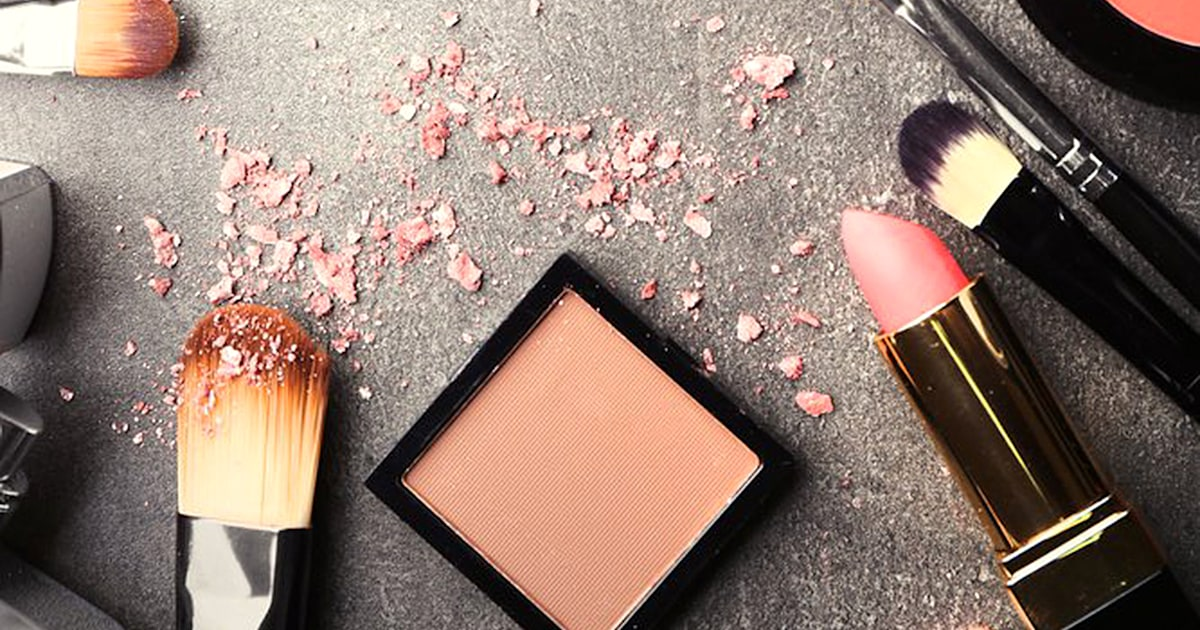 Remove Blush And Bronzer From Clothing