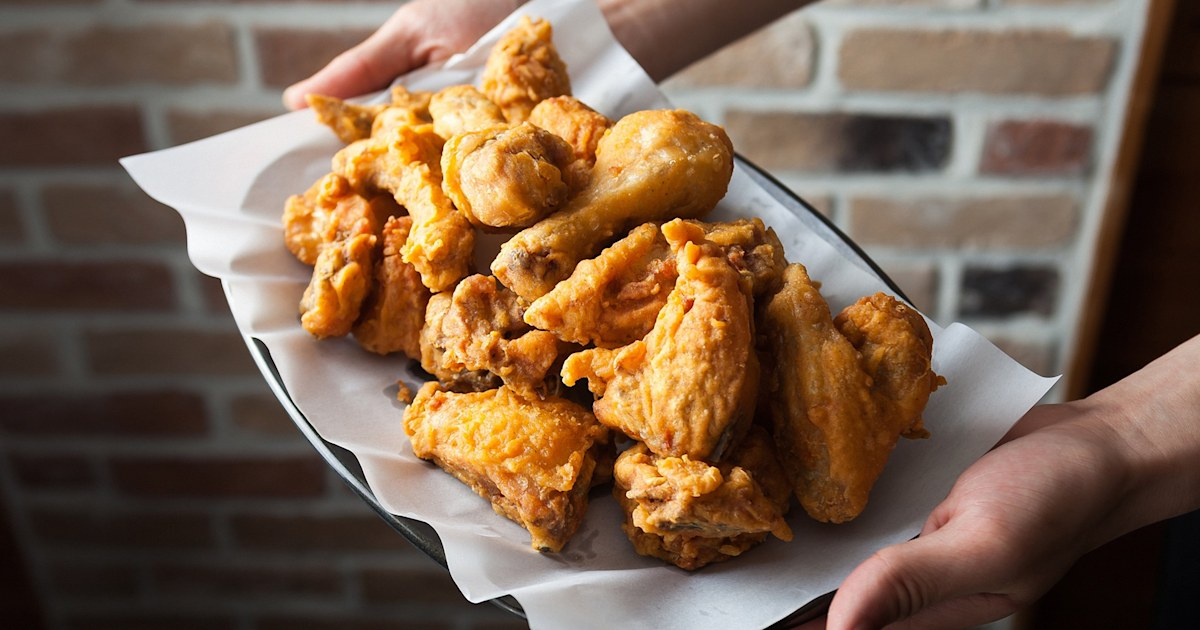 Celebrate National Chicken Wing Day with 5 fabulous deals on wings