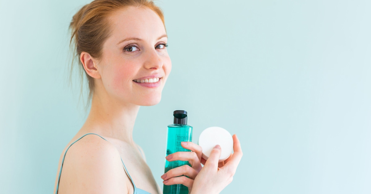 The best makeup removers: makeup remover wipes, coconut oil
