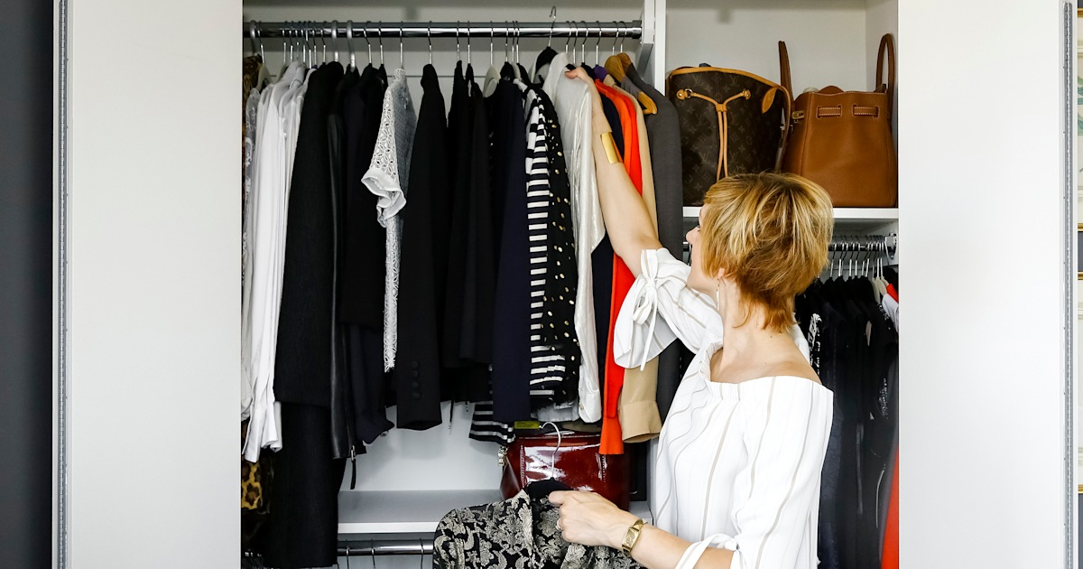 Need closet space? Try this brilliant $5 skirt hanger