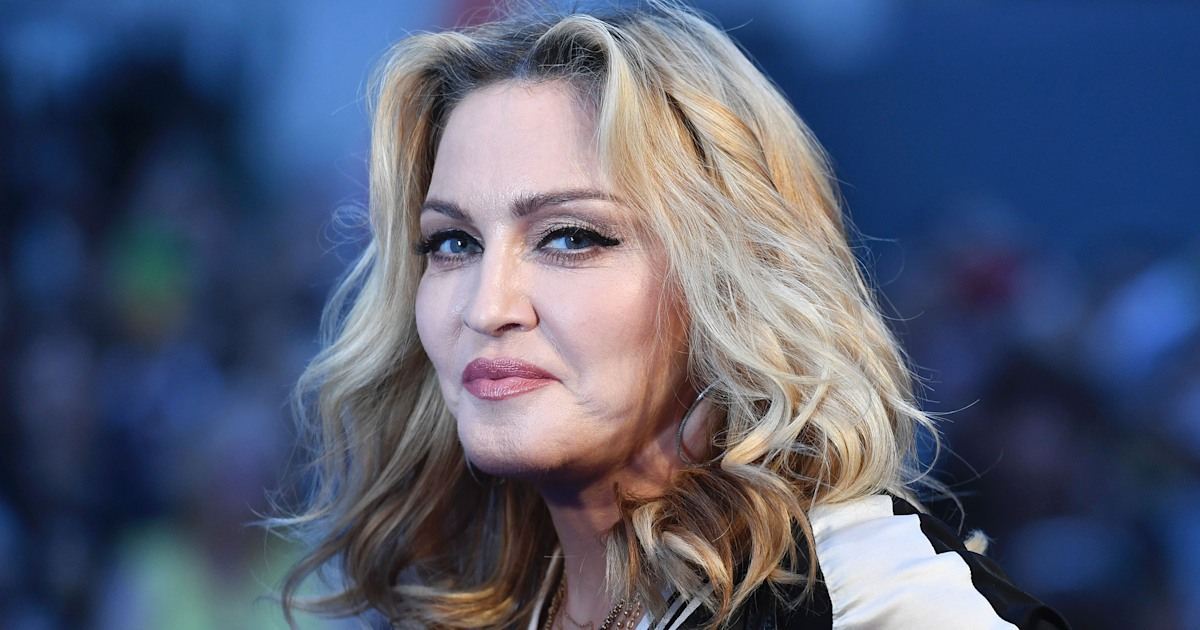 Madonna teases darker hairdo in adorable selfie with daughter — see the pic