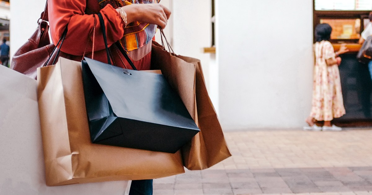 Where to score big savings on MLK Day weekend, according to retail experts