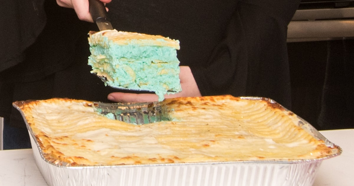 Gender-reveal lasagna is now a thing